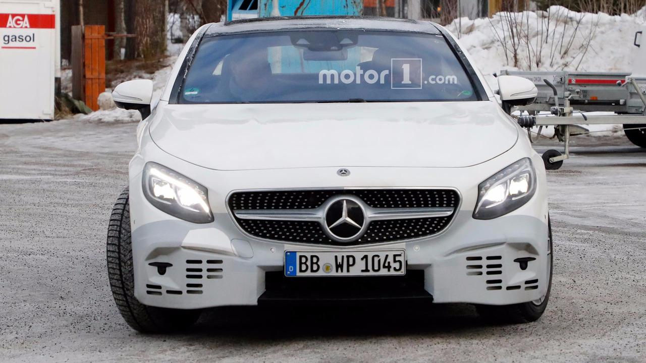 Mercedes S-Classs Coupe Spy Pics