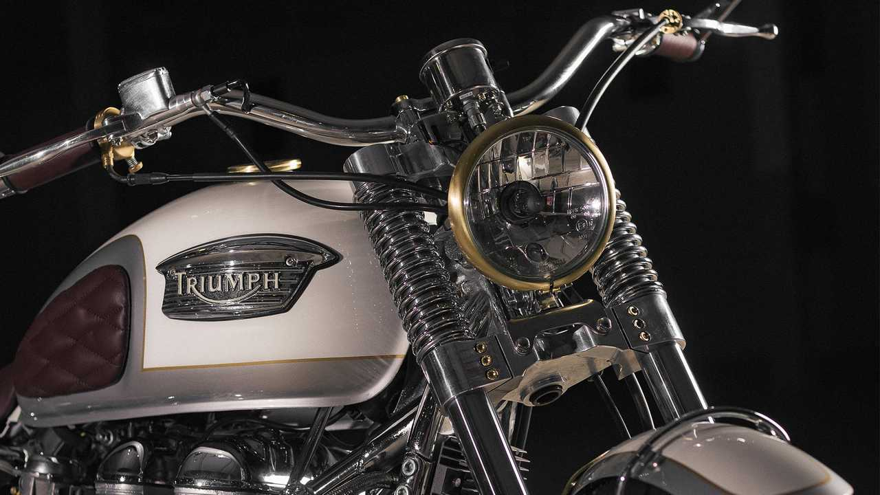 Custom-Triumph-Bonneville-Front-2