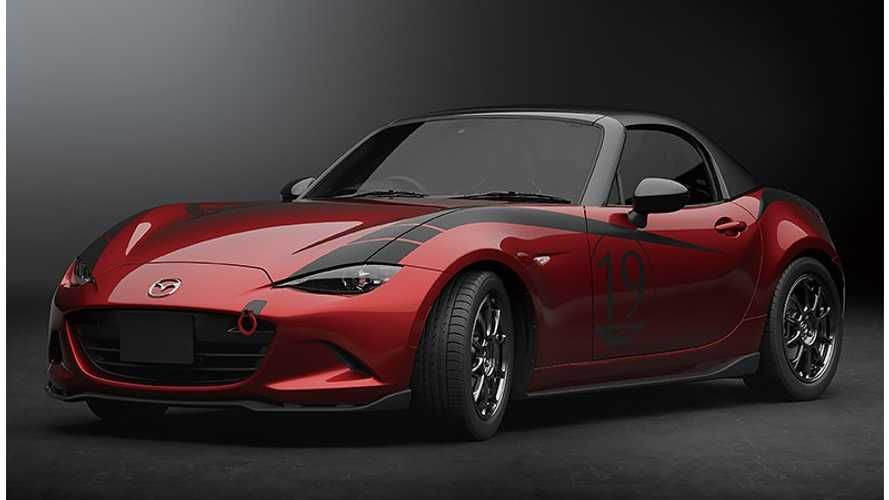 2019 Mazda3 factory body kit and MX-5 carbon fibre top revealed