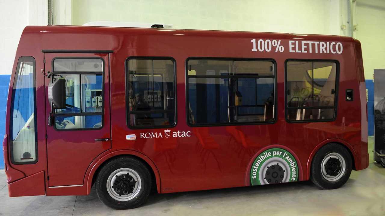 [copertina]minibus elettrici Roma