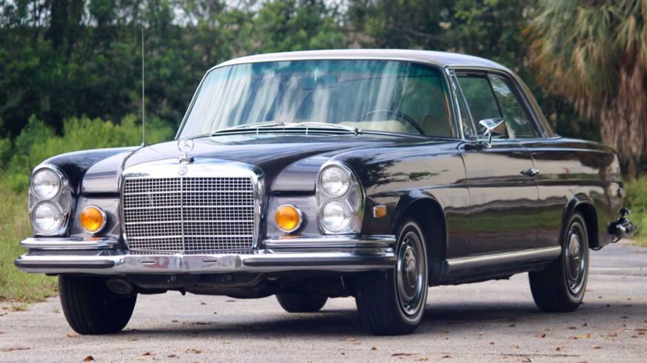 1971 Mercedes-Benz 280SE 3.5 Coupe – current bid at $54,235