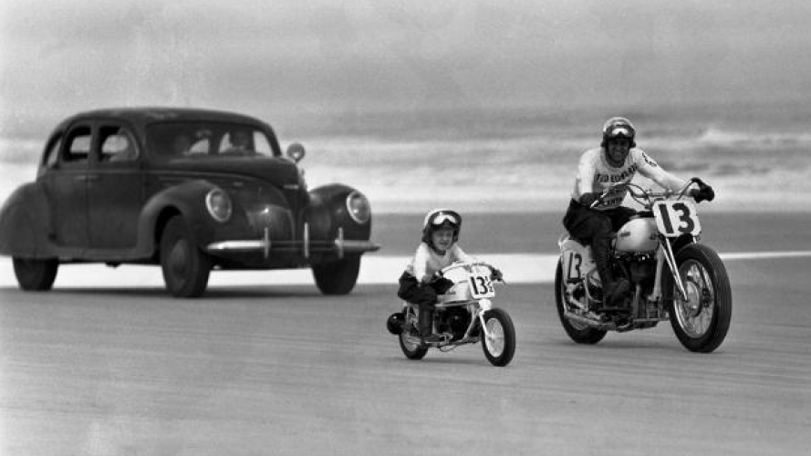 Festa del papà: cosa regalare a un motociclista
