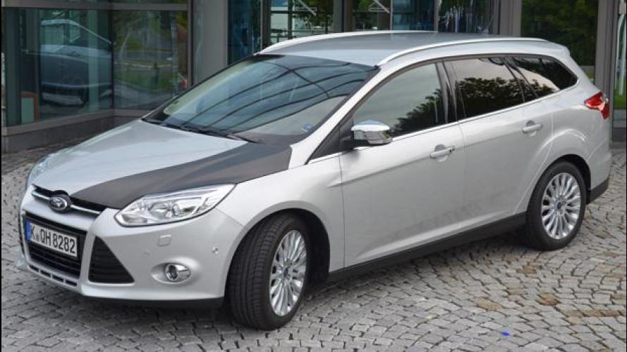 Ford presenta il cofano motore in fibra di carbonio
