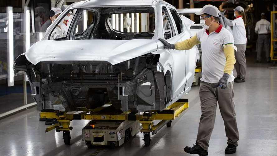 Produção global de automóveis caiu 16% em 2020, diz organização