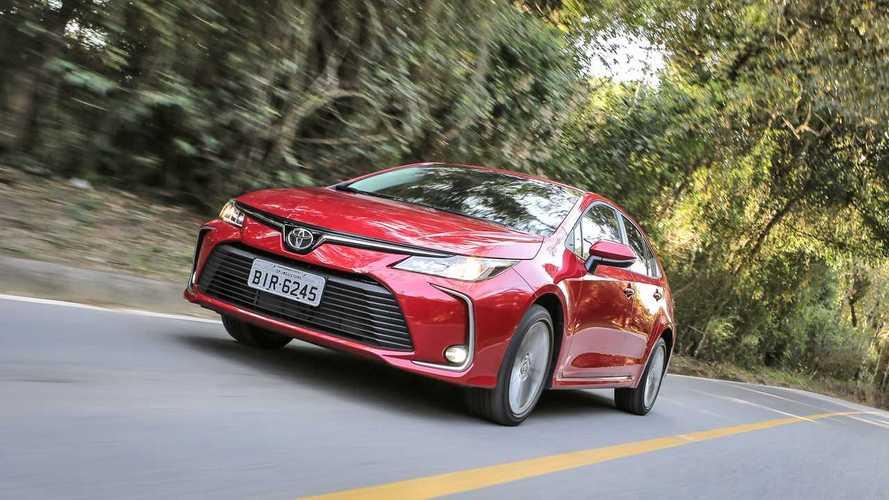 Sedãs médios mais vendidos: Novo Corolla contraria segmento e larga bem