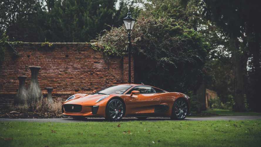 Elárverezik a legutóbbi James Bond-filmben használt ultra ritka Jaguar C-X75-öt