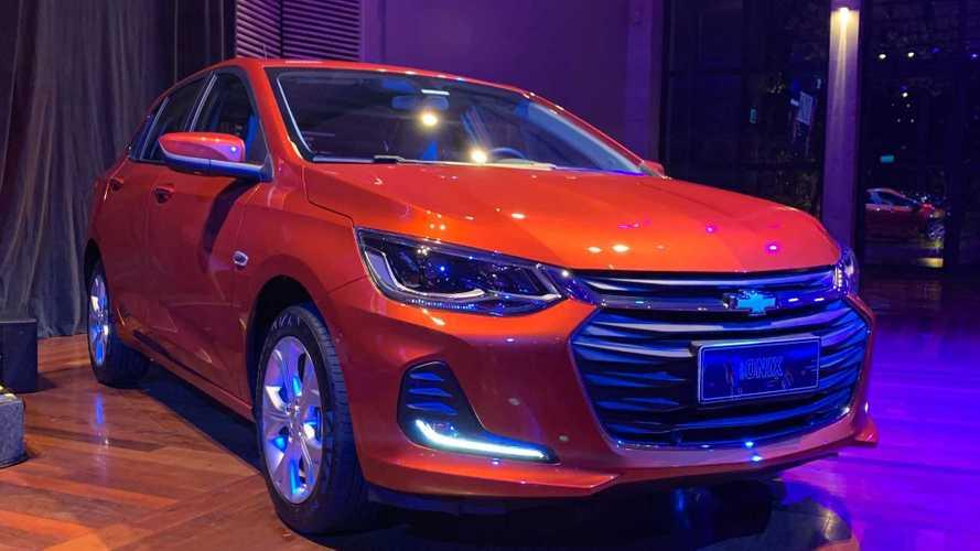 Novo Chevrolet Onix hatch 2020 começa a ser vendido por R$ 48.490