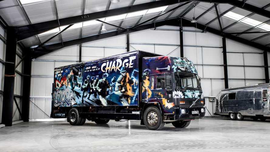 El camión más caro del mundo es una obra de Banksy