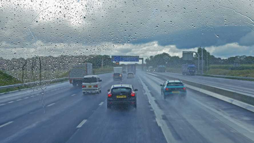 New weather stations installed in UK to keep tabs on roads during winter