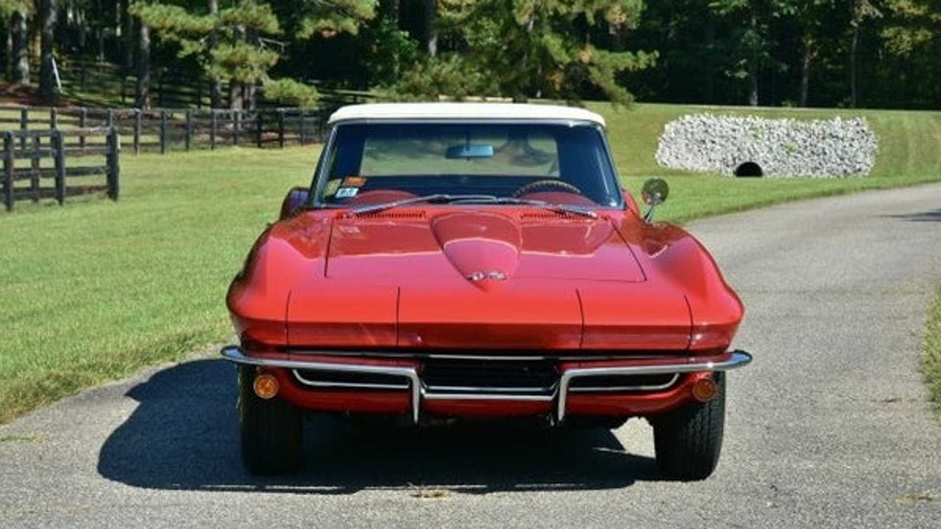 "[""Rare 1965 Chevrolet Corvette Fuelie Up For Grabs""]"