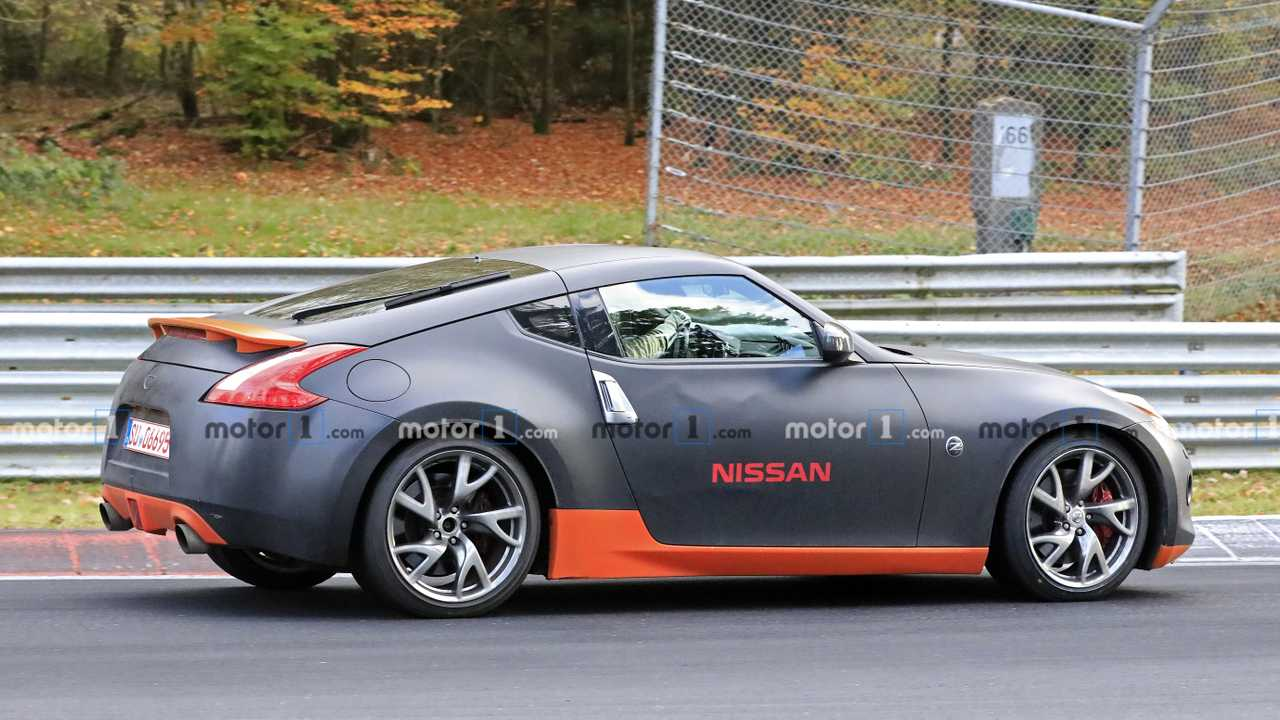 Nissan 370Z Test Mule Spy Photo