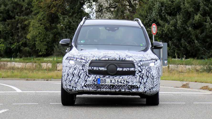 Mercedes-Benz EQB new spy photos