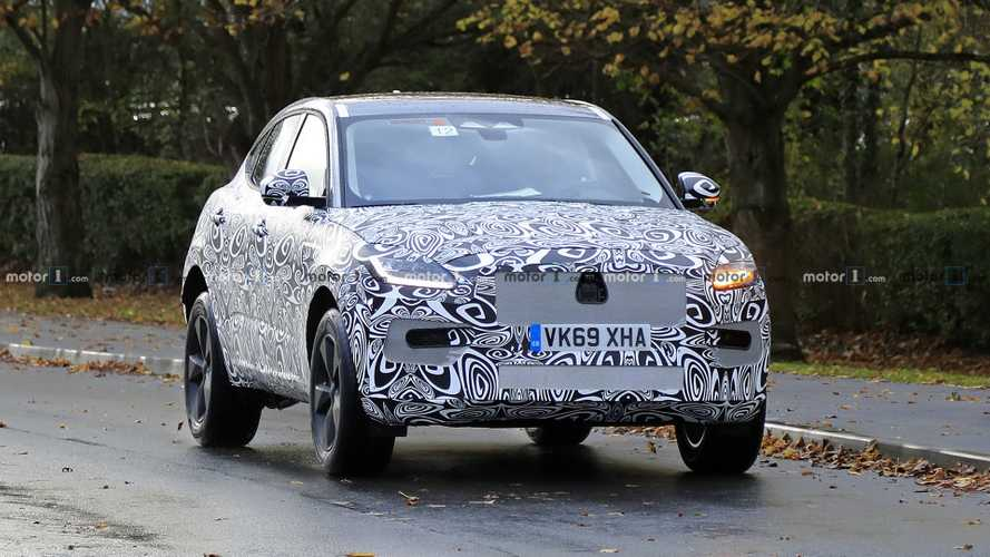 Jaguar E-Pace facelift new spy photos