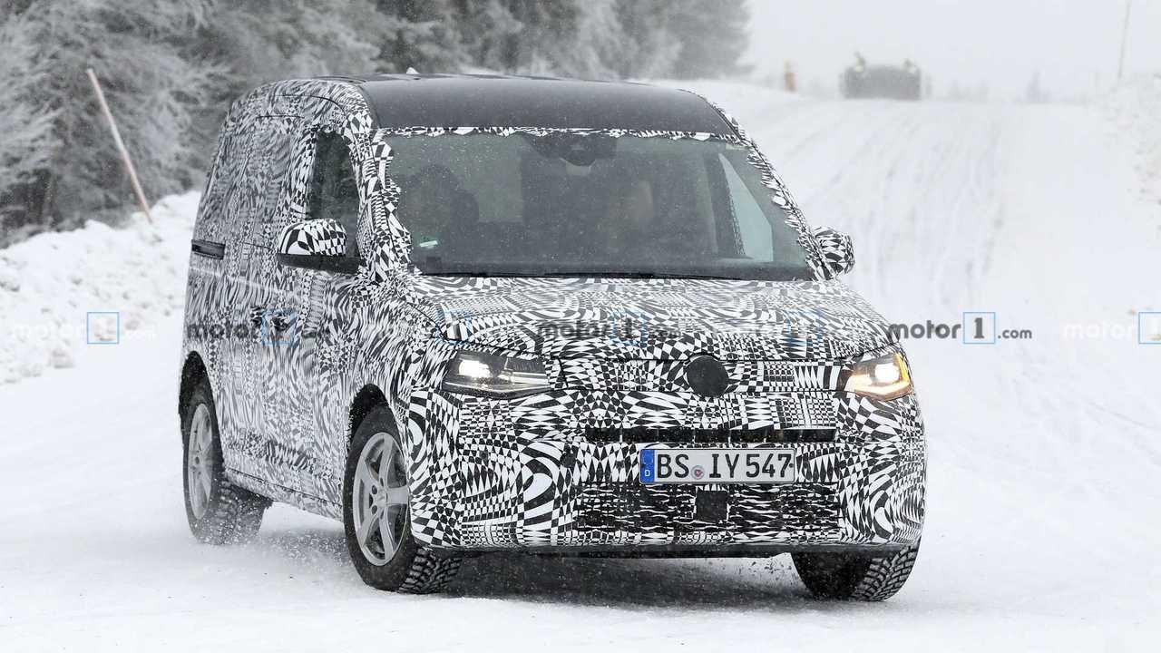 Yeni Volkswagen Caddy casus fotoğraflar