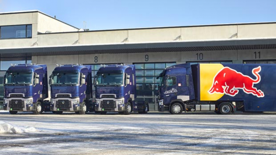 Il Team Red Bull viaggia con Renault Trucks