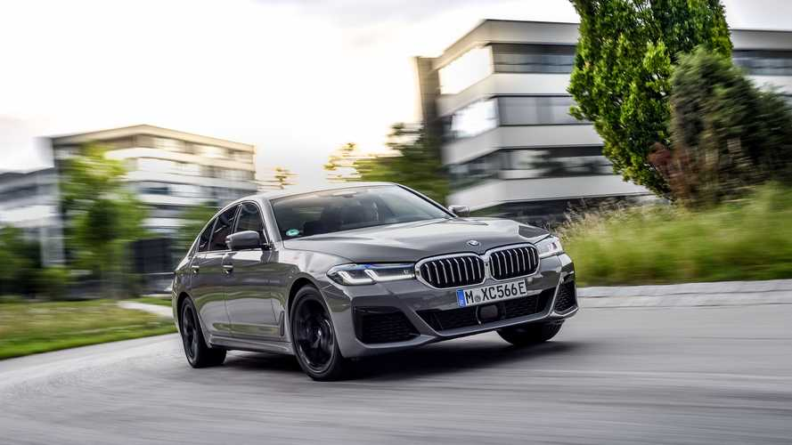 BMW Unveils New 545e xDrive PHEV Sedan With 394 horsepower
