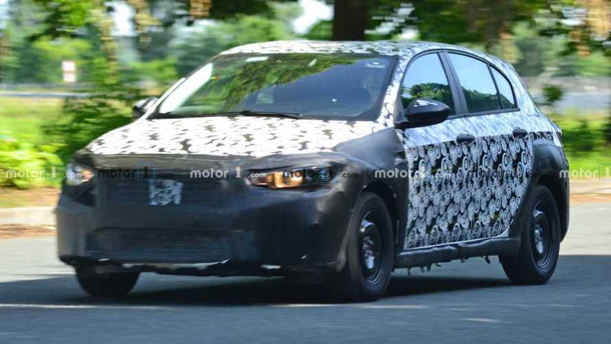 Flagra: Fiat Tipo testa novo visual e inédita versão aventureira