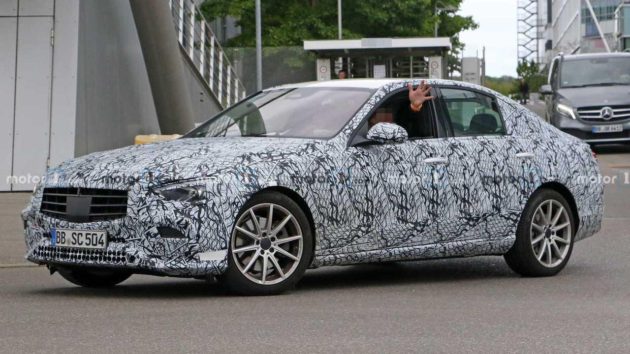 Flagra: Mercedes-Benz Classe C 2021
