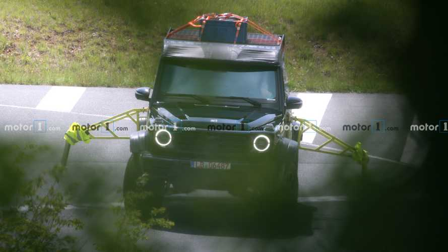 New Mercedes-Benz G550 4×4² spy photos
