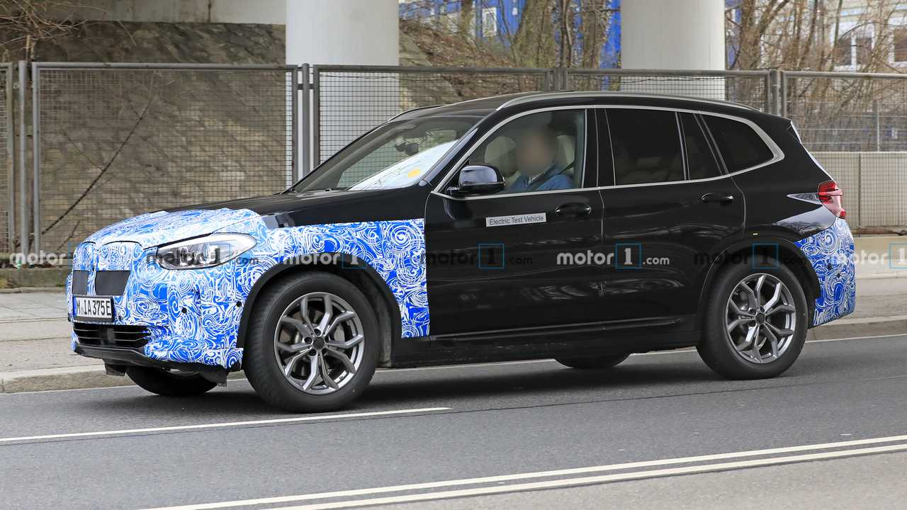 BMW iX3 new spy photo