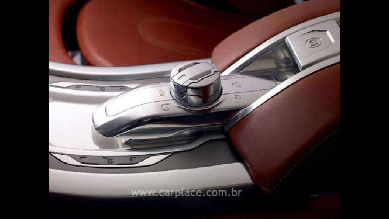 Divulgadas imagens oficiais do novo Coupe-Crossover Land Rover LRX
