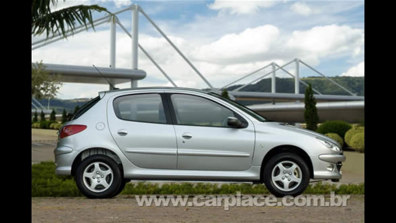 """Campanha """"Eu e Peugeot. Peugeot e Eu"""" dá três anos de garantia para linha 206"""
