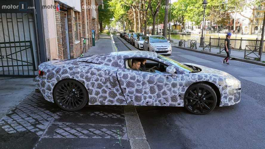 EXCLUSIF - On a croisé la nouvelle McLaren GT dans Paris !