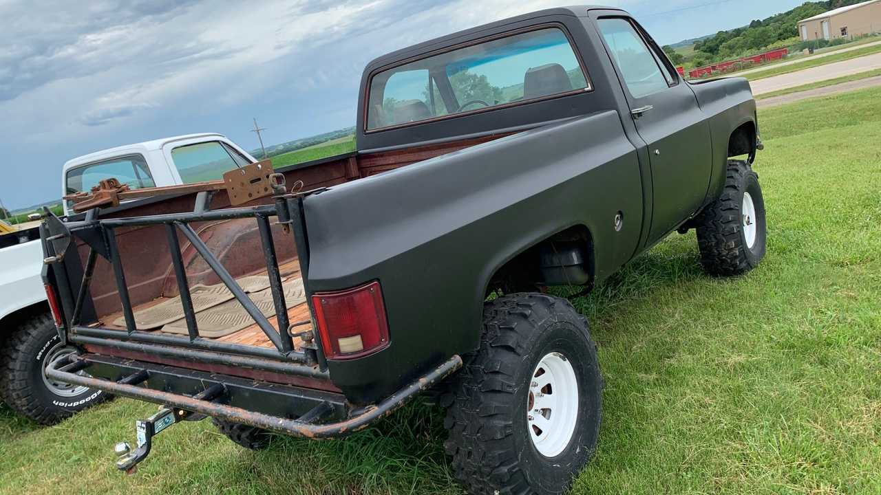 Add Your Personal Touch To This 1977 Chevrolet K-10