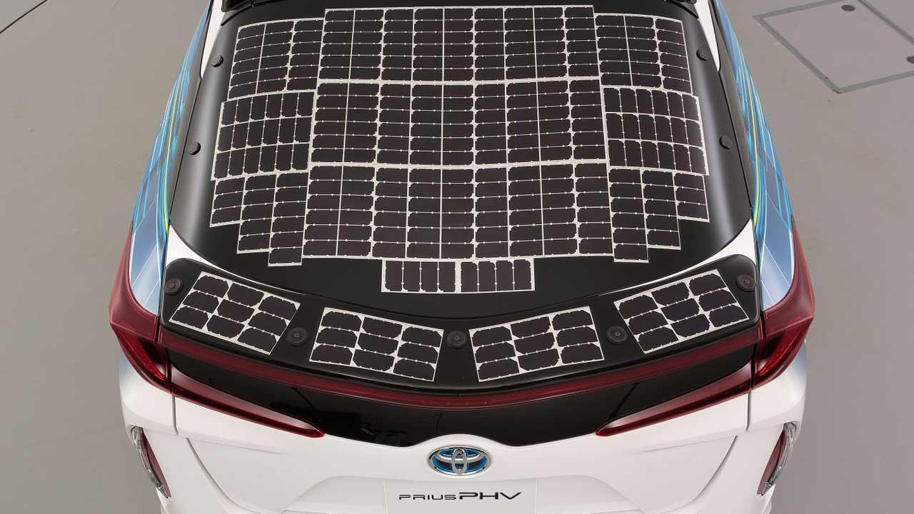 Toyota Prius PHV - Energia Solar