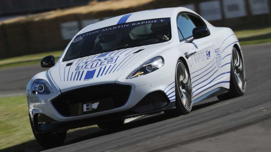 L'Aston Martin Rapide E en mouvement à Goodwood