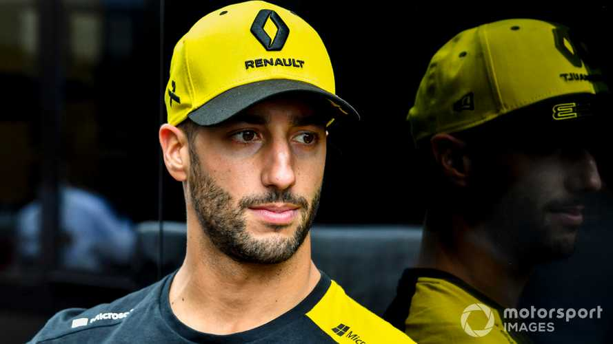 Ricciardo hit with £10 million claim from ex-advisor