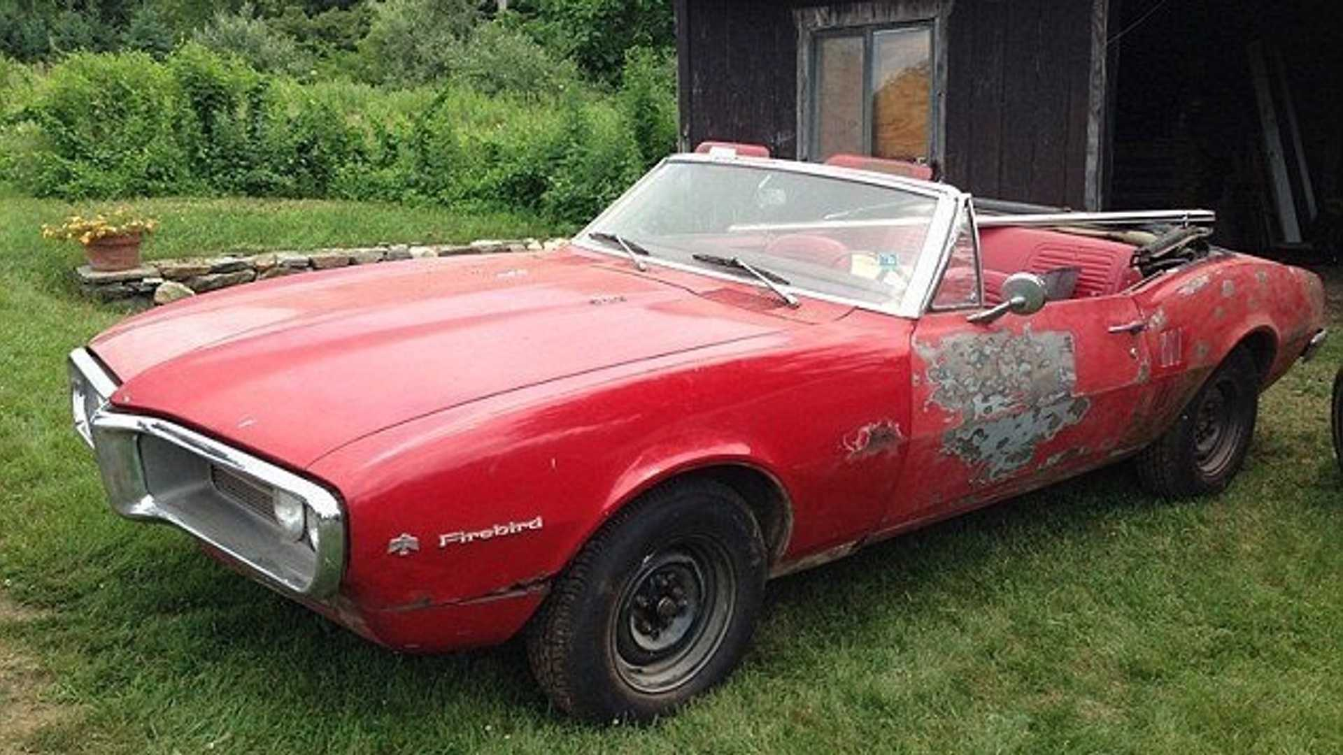 """[""""The First Two Pontiac Firebirds In The Muscle Car Market""""]"""