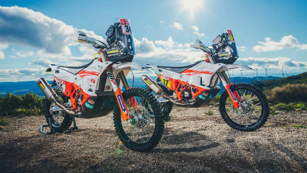 ktm introduces the dakar 2019 team and the bikes. Black Bedroom Furniture Sets. Home Design Ideas