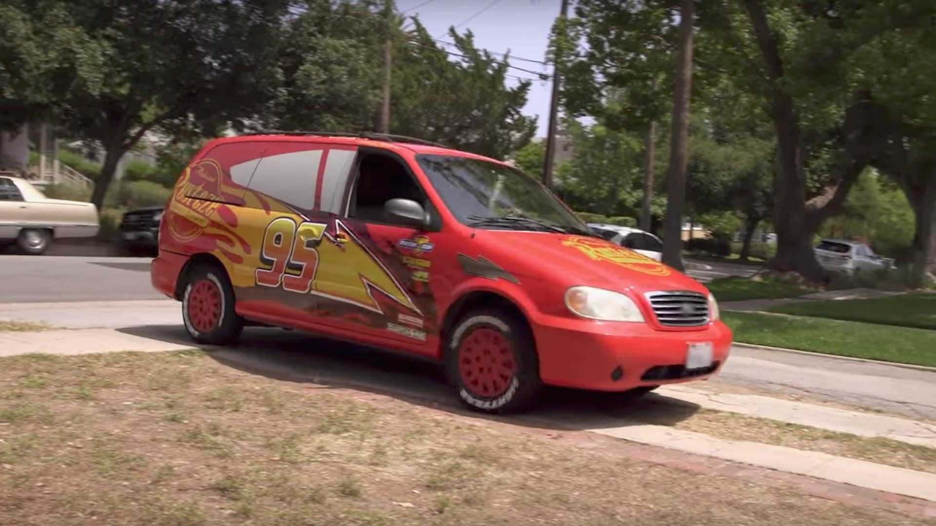 Disney Pimped One Mom S Minivan To Look Like Lightning Mcqueen