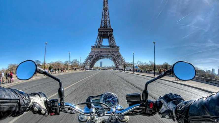 Il sindaco di Parigi vuole vietare la circolazione alle moto precedenti al 2000