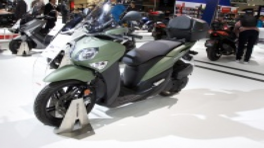 Yamaha XMAX Iron Max: lo sport scooter si rinnova