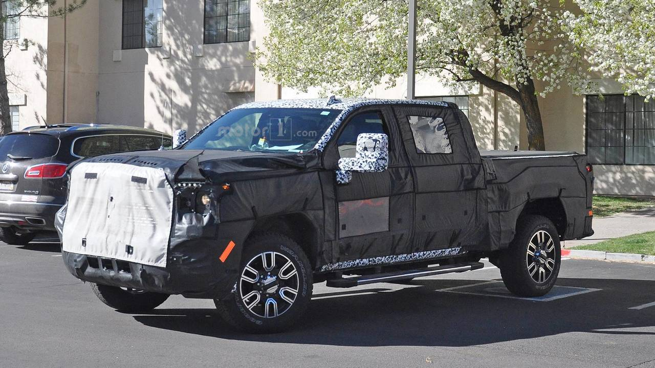 2020 GMC Sierra Denali 2500 HD Spied With Luxury-Level Upgrades
