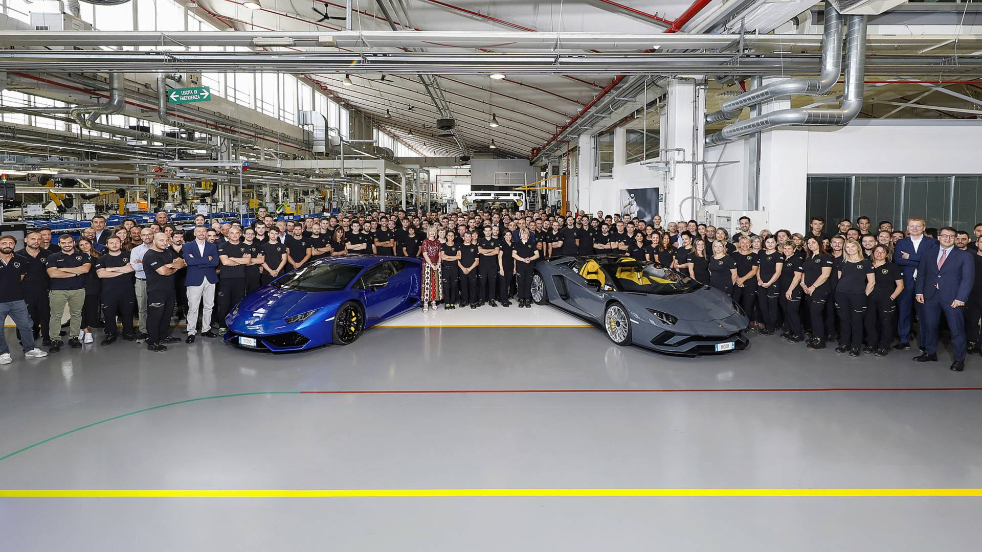 Get A Tour Of Lamborghini S Factory Without Traveling To Italy