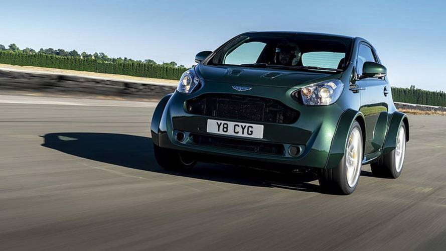 Top Gear ekibi Aston Martin Cygnet V8'i inceliyor