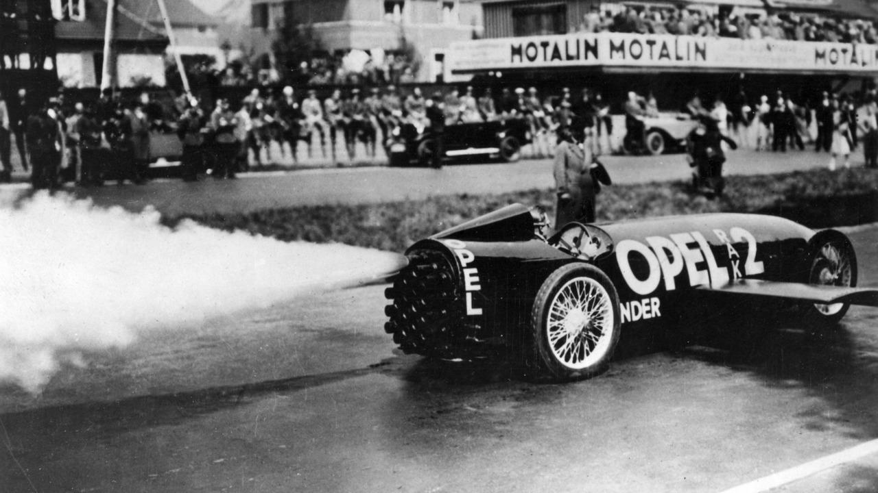 Opel Rak 2 - Roket Yakıtlı 1928 Model Bir Otomobil