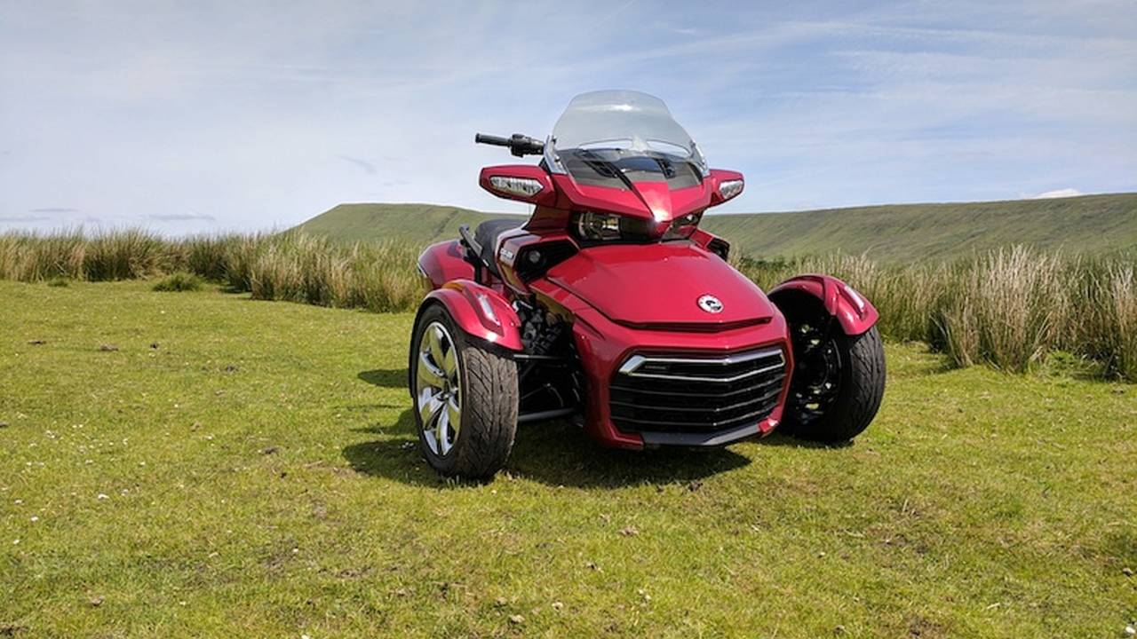 Different is Good: 2017 Can-Am Spyder F3-T Ride Review