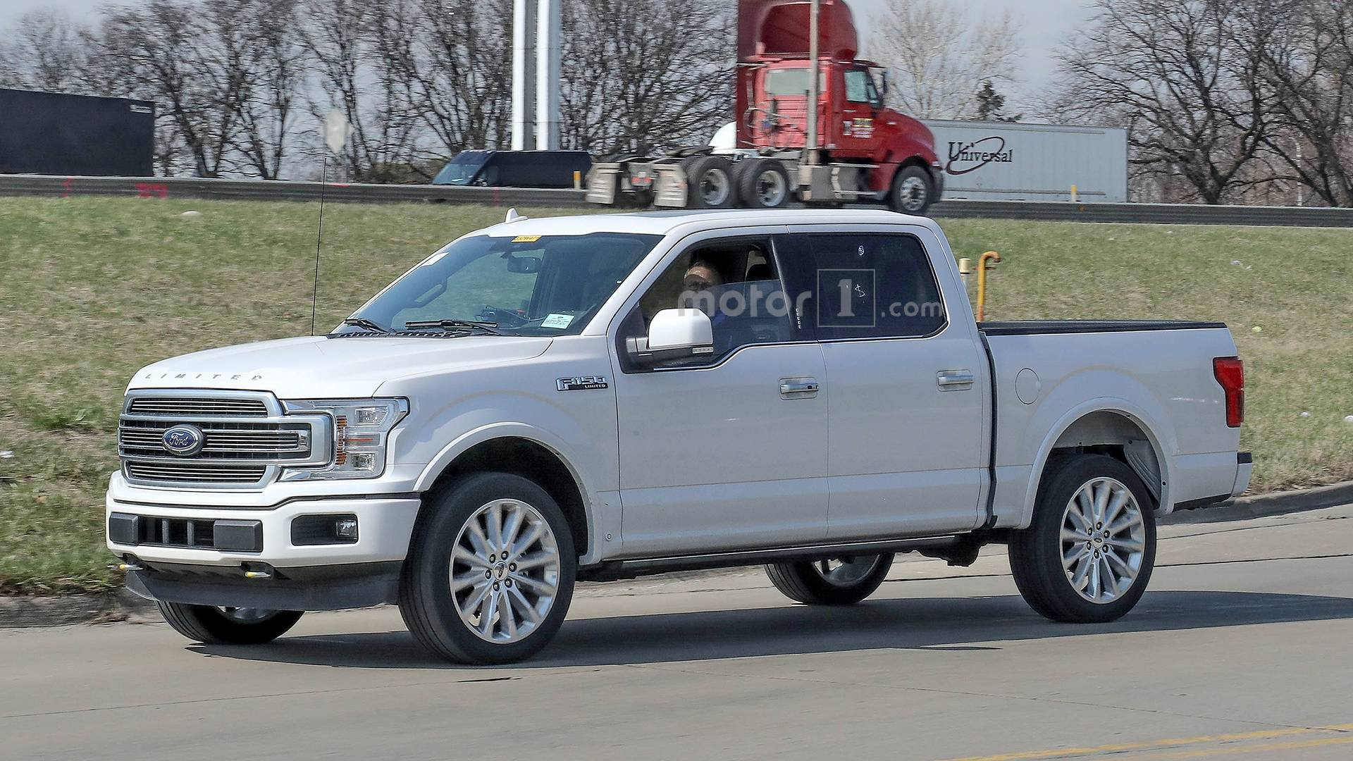 2019 ford f 150 limited spied with new rear bumper dual exhaust