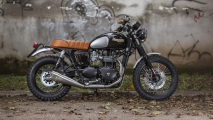 Mr. Martini Triumph Scrambler On Road