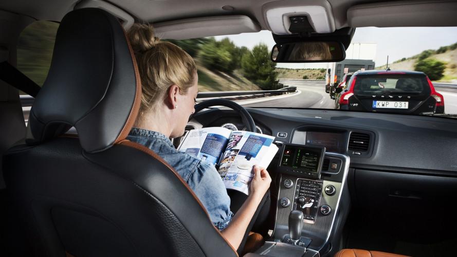 [Copertina] - Assicurazione auto, cosa cambierà con la guida autonoma