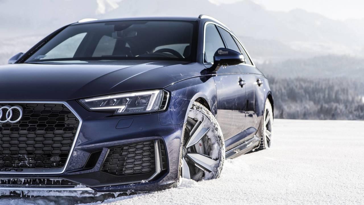Audi RS4 Avant Navarra Blue at the Tatra Mountains in Poland