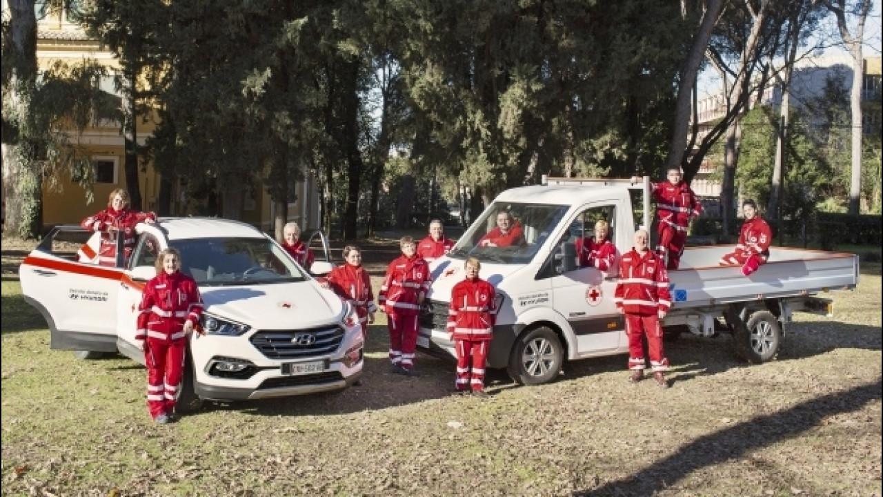 [Copertina] - Hyundai regala cinque mezzi alla Croce Rossa Italiana