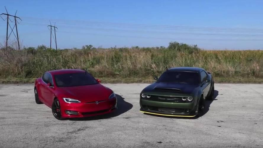 VIDÉO - La Tesla Model S P100D maltraite la Challenger SRT Demon