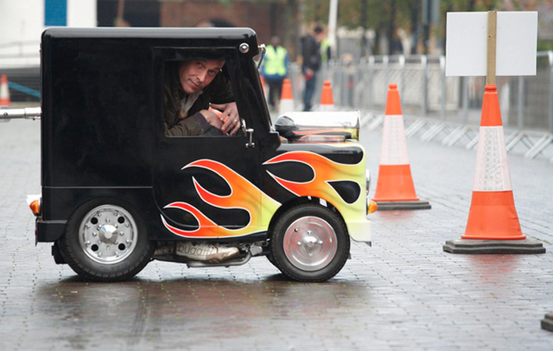 "UK's ""Wind Up"" Still World's Smallest Roadworthy Automobile"