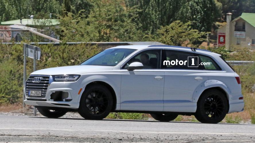 Super-luxury Audi Q8 mule spotted testing