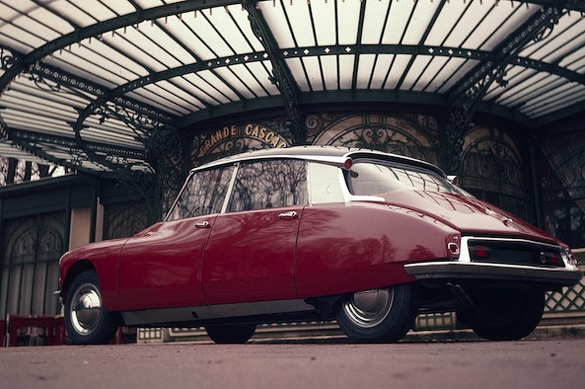 Citroen DS: A Goddess of French Design